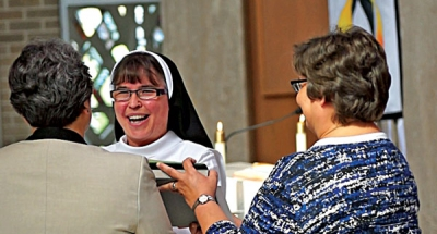 Dominican Sister Kelly professes first vows