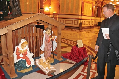 Nativity scene dedicated at Illinois State Capitol