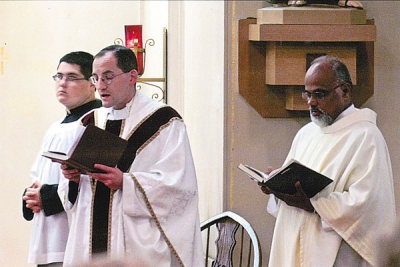 Parish hosts 40 Hours to prepare for Jubilee Year of Mercy