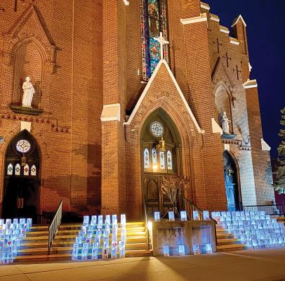 02-07-2021---Immaculate-Conception-luminaries-on-display